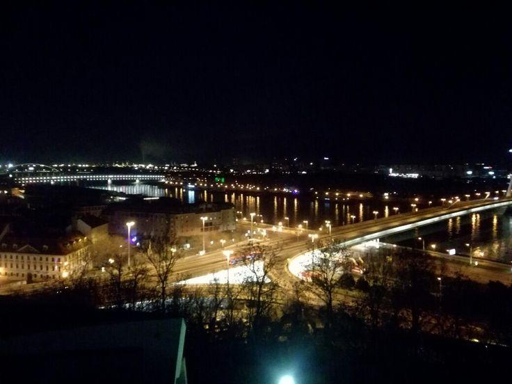 Nočná Bratislava