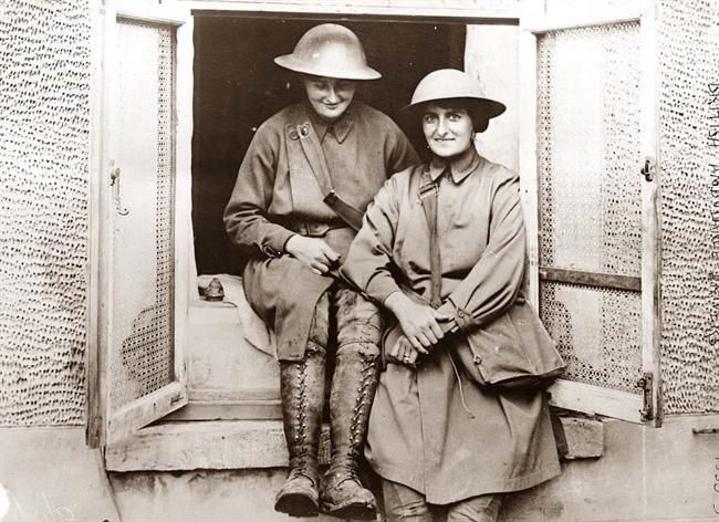 World War I  Female ambulance drivers