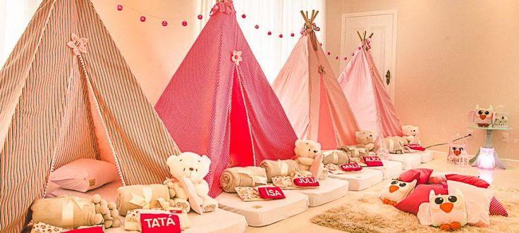 Una fiesta de pijamas para niños requiere de una preparación previa: invitaciones, decoración, alimentación, juegos, películas y la organización de camas.