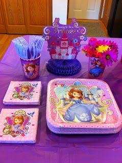 CupcakesandHomeschool: Sophia The First Birthday Party