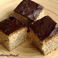 Mrówki na korzeniu, czyli aromatyczne ciasto z makiem