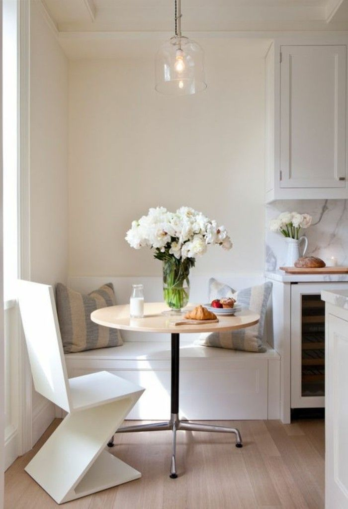 Best 25 petite table ronde ideas on pinterest la table - Petite table ronde de cuisine ...