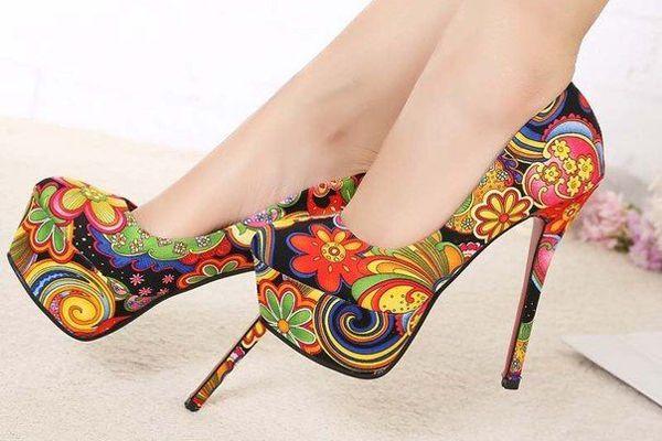 Estos zapatos simplemente están geniales para una fiesta de XV missxv.grupopalacio.com.mx