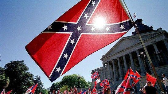 ¿Por qué se sigue ondeando la bandera confederada en EE.UU.?