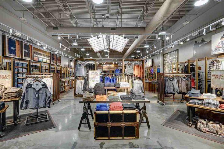 Es básico mejorar el diseño y disposición de una tienda, sigue estos consejos de decorashopsmadrid.com y podrás hacer que tu comercio destaque. #madrid #decoracion #tienda