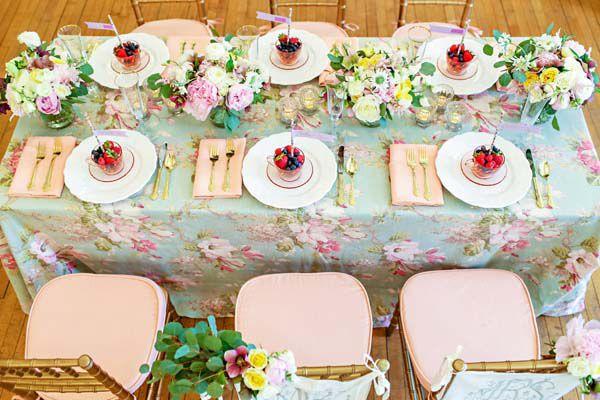 La Tavola Fine Linen Rental: Maya Duck Egg | Florals and Design: Hey Gorgeous Events, Photography: Kelly Braman Photography