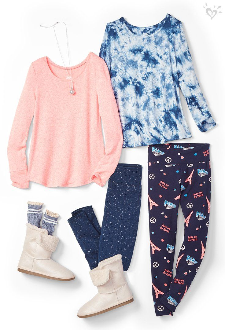 Cozy boots, soft fabrics and warm leggings are some of the many reasons we ❤️ winter.