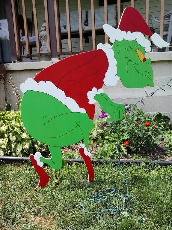 Pin By Mike S Yard Art Displays On Christmas Yard Art Grinch Christmas Decorations Christmas Lawn Decorations Grinch Christmas