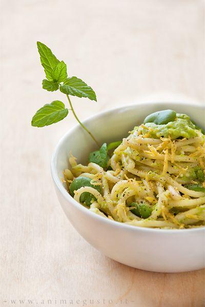 spaghetti al pesto di fave e limone