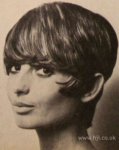 haircuts for plus size hair dos of 1971 the 34 best images about hurr don t 1971