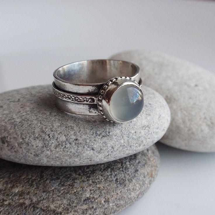 "Купить Кольцо ""Белые ночи"". Халцедон, серебро - серый, кольцо с халцедоном, серо-голубой, туман"