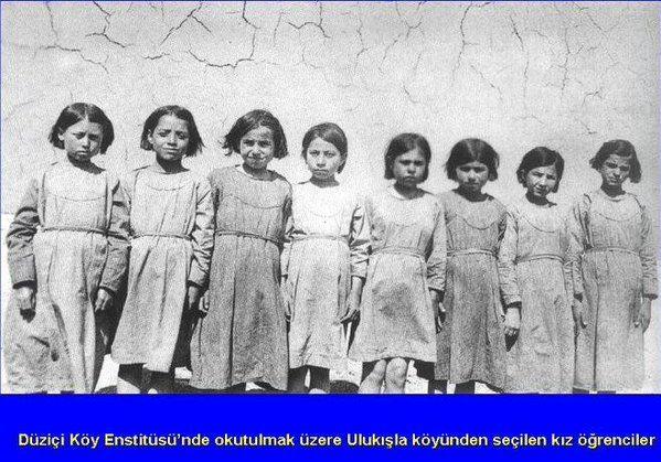 Düziçi Köy Enstitüsü Kız öğrenciler