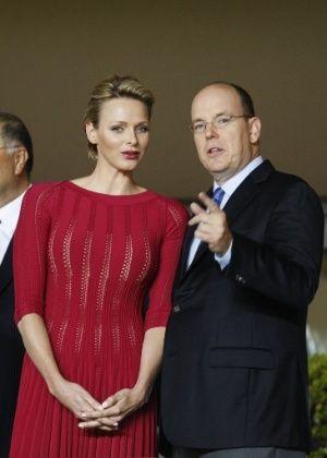 Príncipe Albert e a princesa Charlene de Mônaco esperam seu primeiro filho