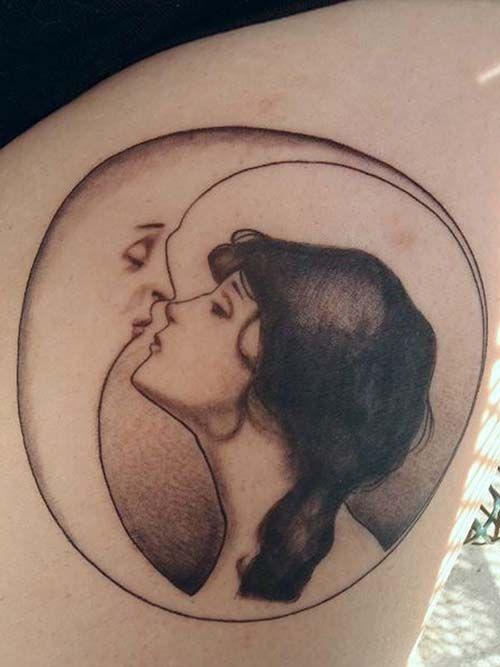 ay ve kız dövmeleri moon and girl tattoos