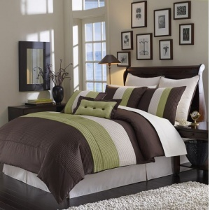 I'm kind of in love with brown and green as color combinations. Maybe after college...