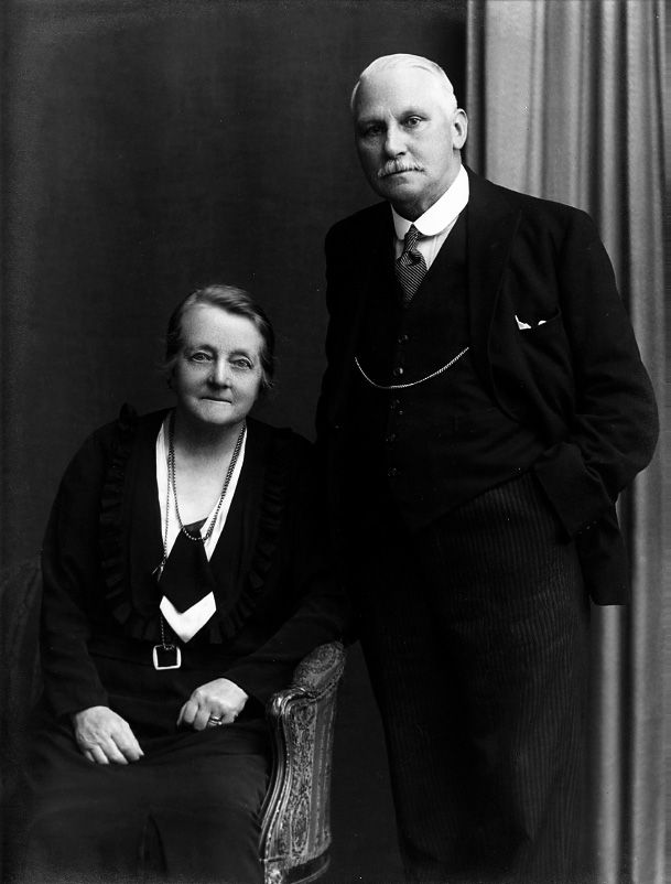 Harry & Nelly Voller who started Vollers Corsets in 1899. http://www.vollers-corsets.com