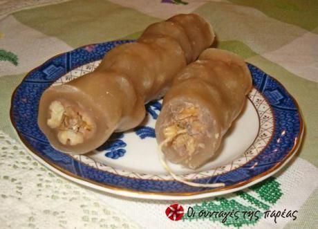 Αν σας αρέσει η μουσταλευριά, τότε σίγουρα θα σας αρέσει και ο σουτζιούκος!  Κυπριακή, παραδοσιακή συνταγή την οποία έφτιαχνε η γιαγιά μου στο χωριό.