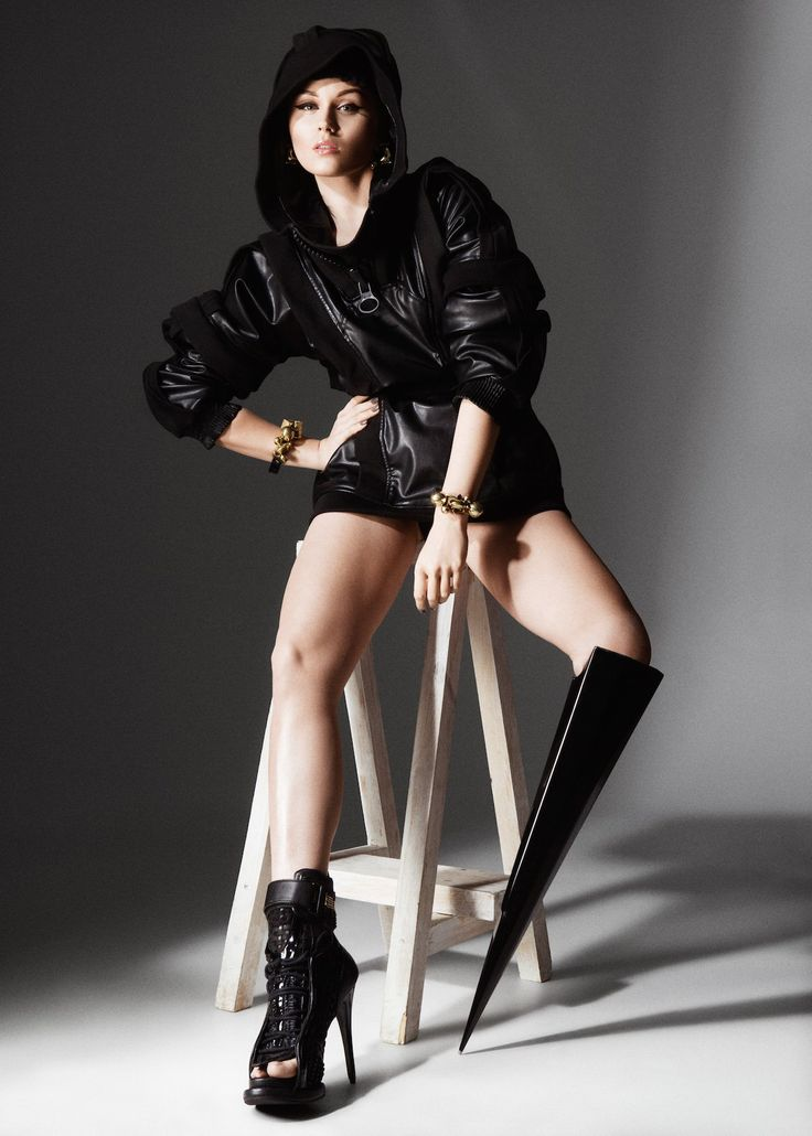 """But some push the boundary purely from an aesthetic perspective. The """"spike leg"""" seen hereis worn by Viktoria Modesta, whode Oliveira Barata said was a major influence on the Alternative Limb Project."""