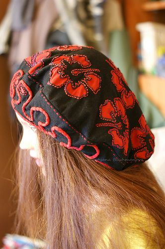 love this poppy applique big beanie beret design idea accessories in fabric to make DSC06783 | Flickr - Photo Sharing!
