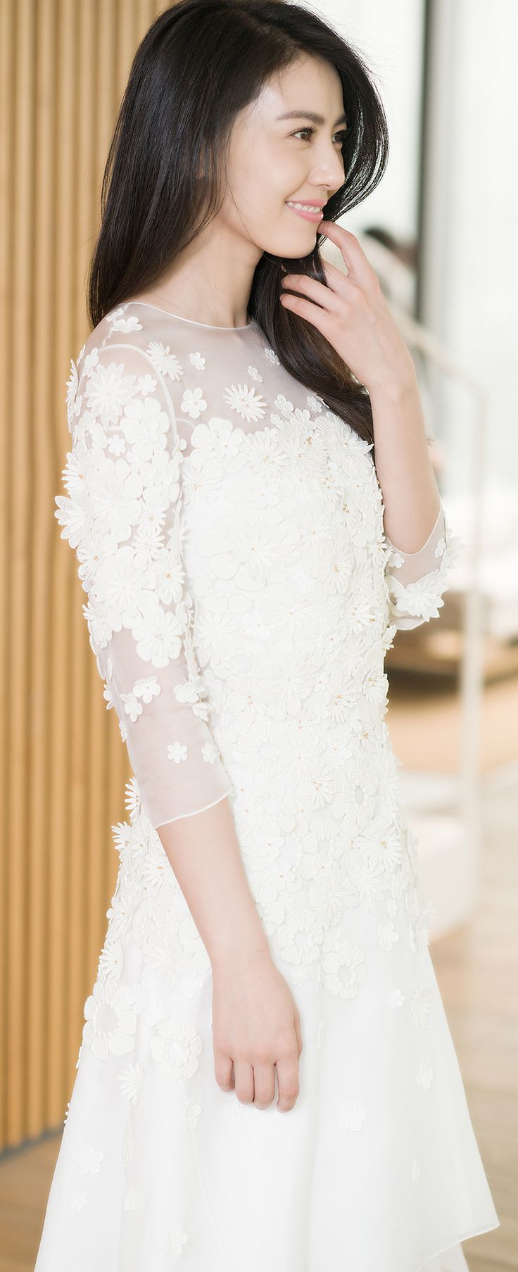 A Chloé girl's dream wedding – Gao Yuanyuan wore a custom Chloé dress with hand-embroidered flower appliqué at the ceremony in Taiwan #chloeGIRLS