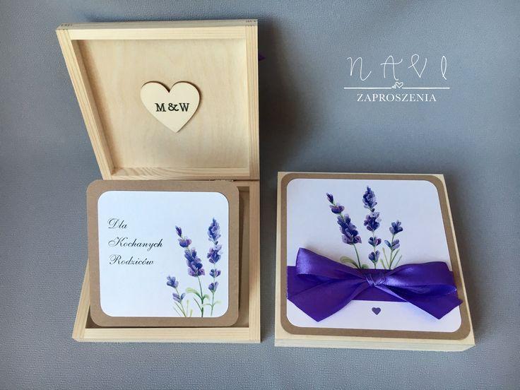 Lawendowy akcent w zaproszeniu dla rodziców 💜#lawenda #slubnaglowie #weselnie #rusticwedding #handmade #zaproszeniaślubne #zaproszenie #lavender #ręcznierobione #szkatułka #drewno #pudełko #prezent