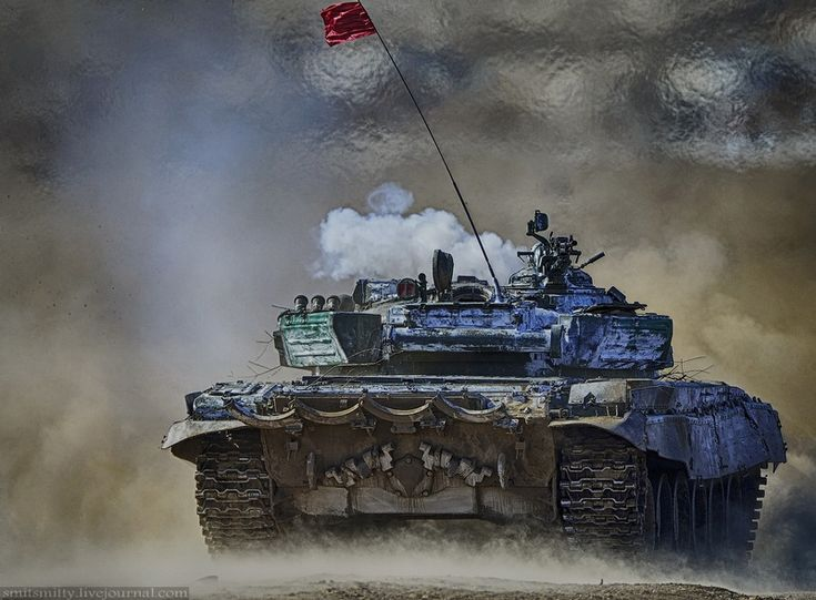 Russian Army tank biathlon 2015  Using T-72 tanks for the exercise.