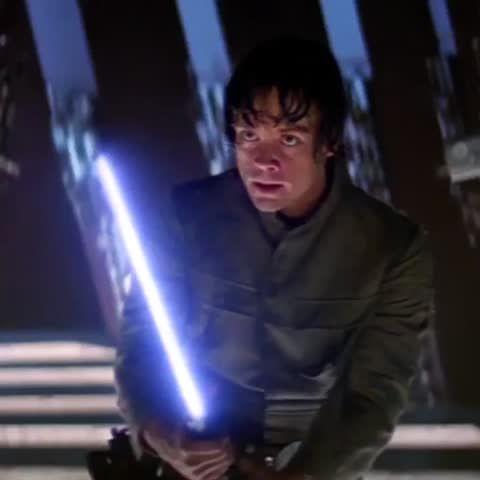 Rey's force vision of #LukeSkywalker vs #DarthVader https://vine.co/v/ietmwmMD5eb