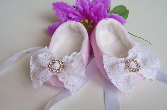 Baby girl shoesbalerina shoessoft sole shoescrib by Creatimity, $12.00
