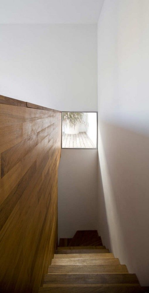 like this proportion ;-) __Non Visible House / Paritzki Liani Architects