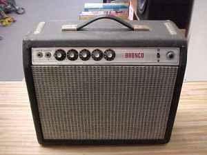 Craigslist Vintage Guitar Hunt: 1972 Fender Bronco Amp (Vibrochamp) in Fontana CA for $250