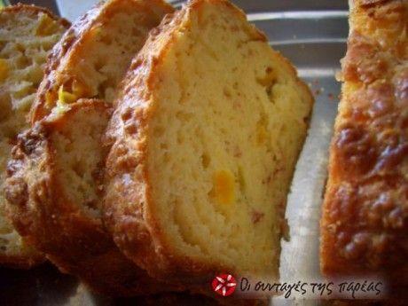 Αλμυρό κέικ με πιπεριές, τυρί και ζαμπόν πολύ εύκολο και νόστιμο.