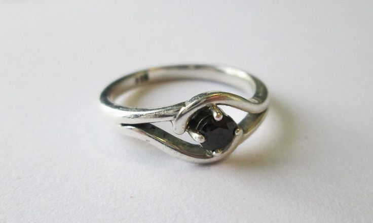 Black stone ring #silver #handmadejewelry #twisted #clawsetting #uniquering