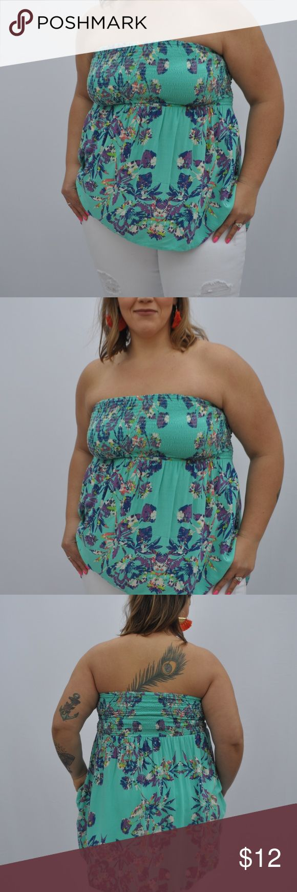 PLUS SIZE FLORAL PRINT BANDEAU TOP Floral Bandeau Top Tube Top Flowy Hugs at the bust  Fun and flirty Cute with jeans or shorts Can also be worn as a swimsuit  cover-up  Only worn it a few times Xhilaration Tops