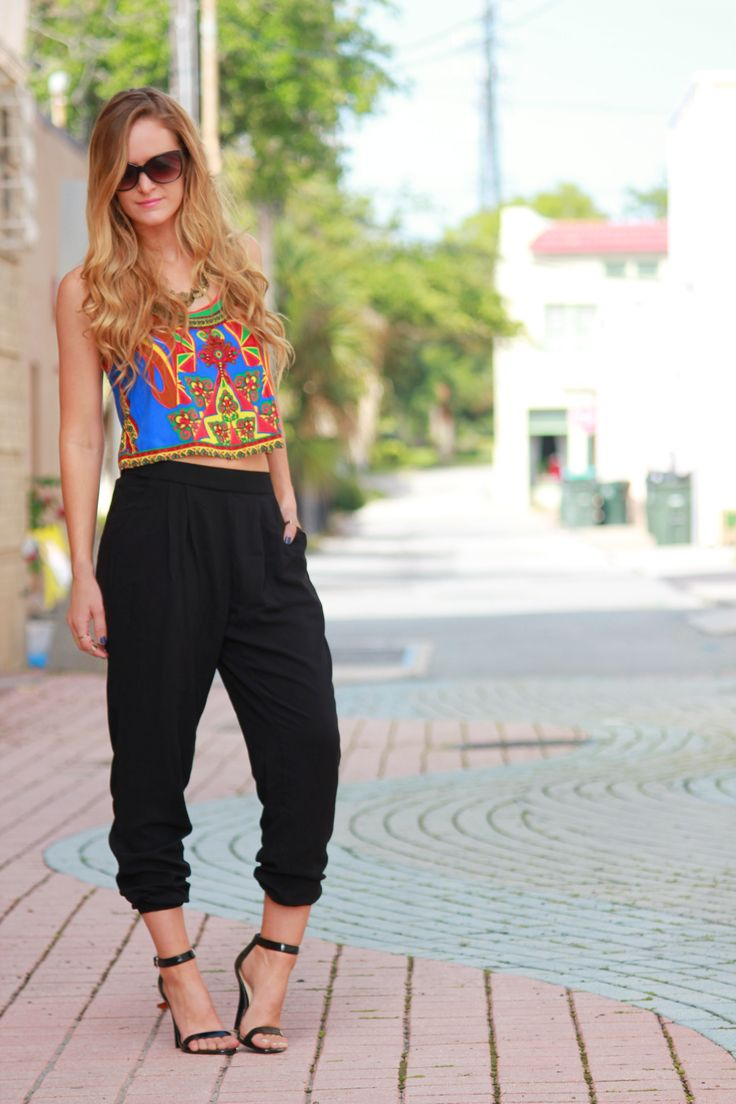 Colorful Crop top and jogger pants, summer outfit