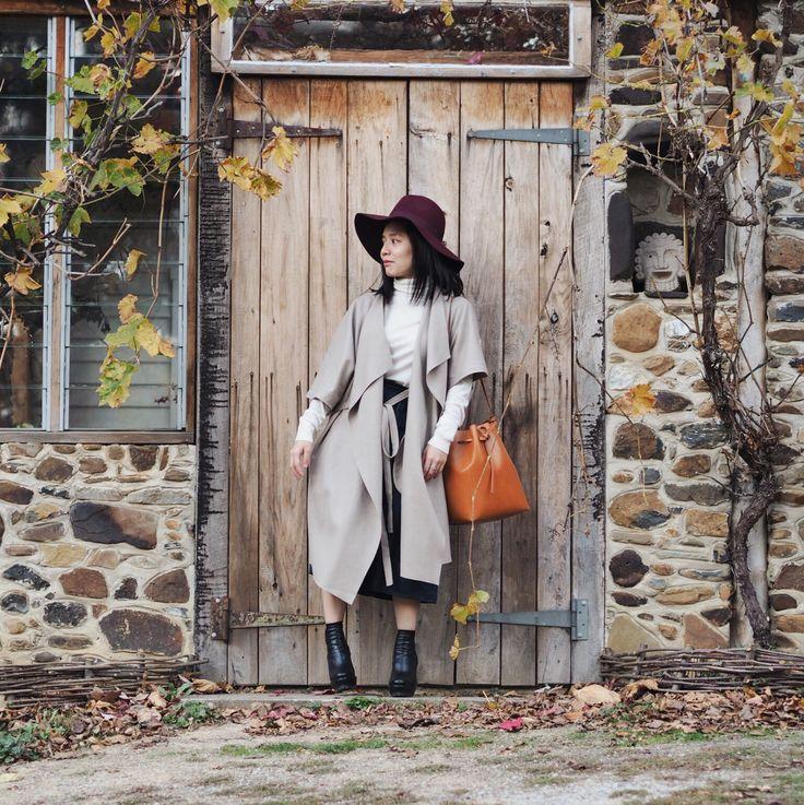 Autumn feels  • Saba's coat & Mansur Gavriel bucket bag