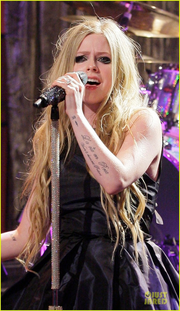Find This Pin And More On Avril Lavigne