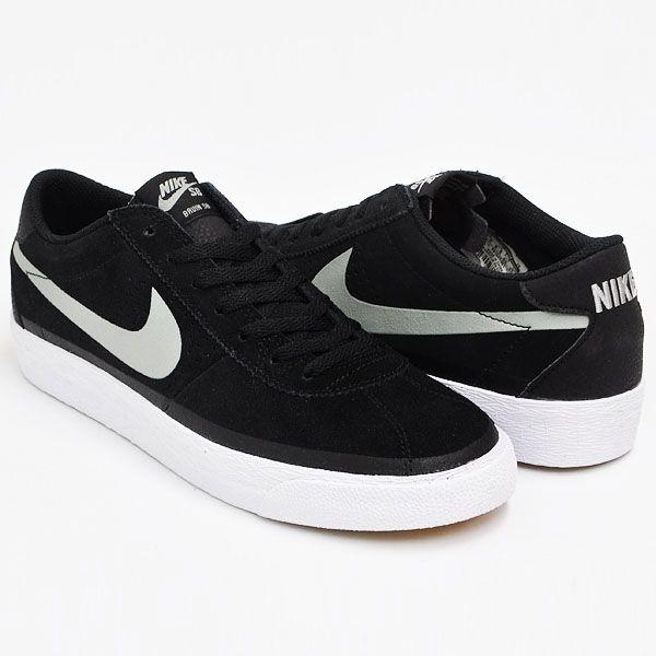Sepatu Nike SB Nike Bruin Sb Premium Se 631041-001 dengan diskon 10% dari harga Rp 999.000 menjadi Rp 899.000.