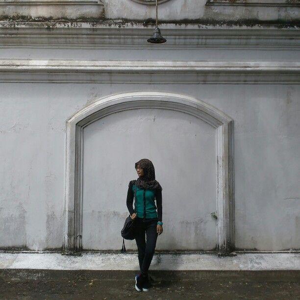 Just standing in Keraton Yogyakarta.
