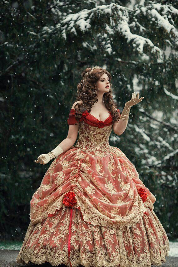 Pin By عندما يكتمل ضوء القمر On Love Beauty Dress Fantasy Dress Fantasy Gowns