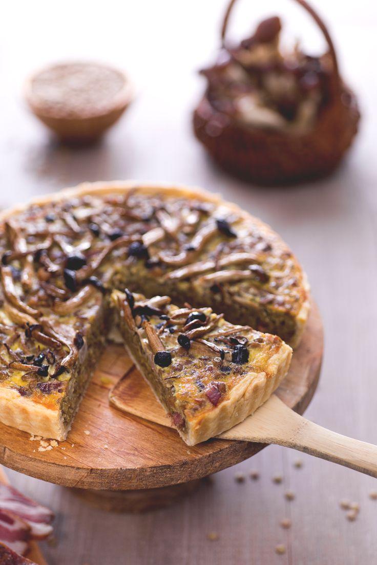 Trasforma la tua torta salata in un tripudio di sapori invernali. Ecco la nostra versione con funghi e lenticchie! #Giallozafferano #recipe #quiche #torta #cake