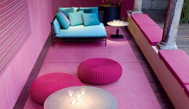 salon-jardin-pouf-exterieur-tricotés-couleur-cyclamen pouf extérieur