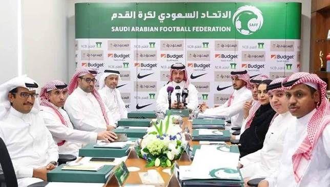 الاتحاد السعودي يطلب استضافة 3 بطولات رسمية سعودي 360 يسعى الاتحاد السعودي لكرة القدم لاستضافة 3 بطولات رسمية خليجية آسيوية وذلك Lab Coat Budgeting Coat