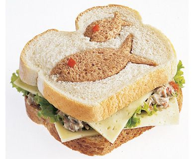 Catch a Tuna & Havarti Cheese Cut Out with Tre Stelle® Havarti Cheese #kids #recipe #havarti