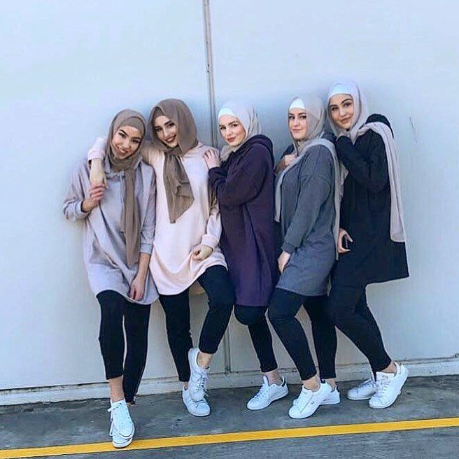 "7,320 Likes, 34 Comments - chic hijab ﷽ (@chichijab) on Instagram: ""Crew love ❤️ @nawalsari #chichijab"""