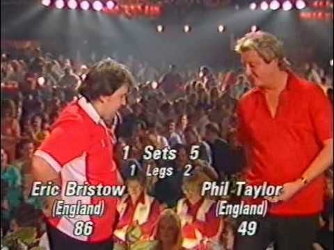 Eric Bristow vs Phil Taylor - 1990 World Finals Part 13 - YouTube