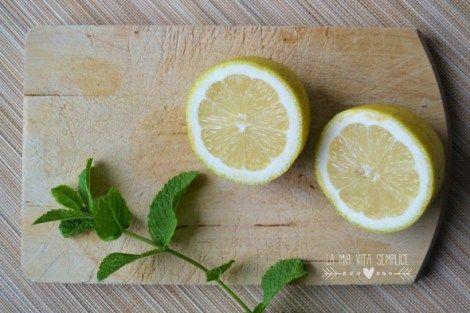 Limonata fatta in casa alla menta fresca