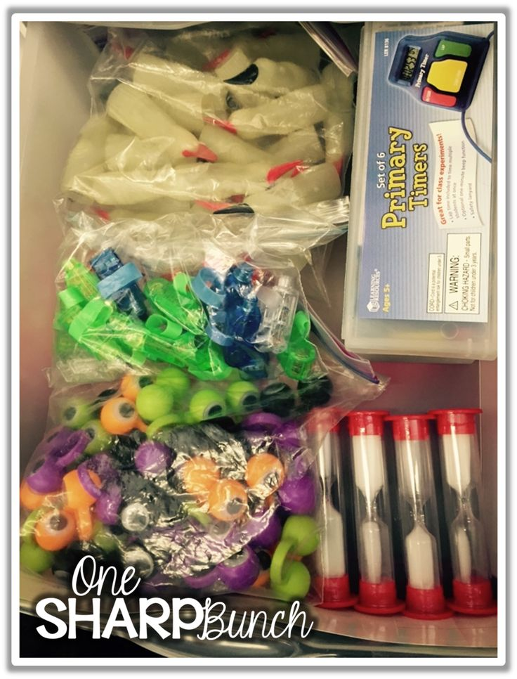 Take a sneak peek into this teacher's guided reading drawers! Plus, grab a FREE guided reading schedule and lesson plan template!