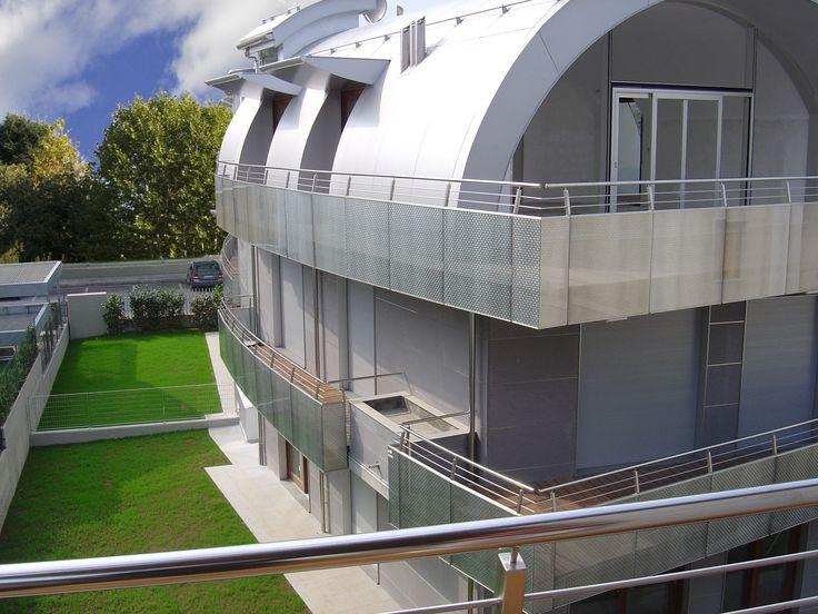 Balconi in vetro stratificato di sicurezza con interposto decoro