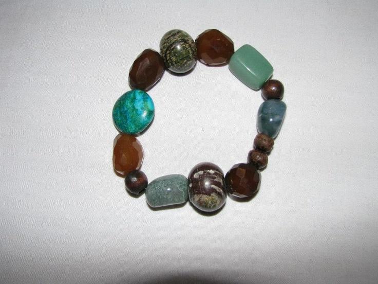 Stone Stretch Bracelet    https://www.facebook.com/photo.php?fbid=542427472457496=pb.534531073247136.-2207520000.1362762205=3