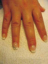 Pose de Faux Ongles (gel ou résine), French Manucure et Renforcement des Ongles